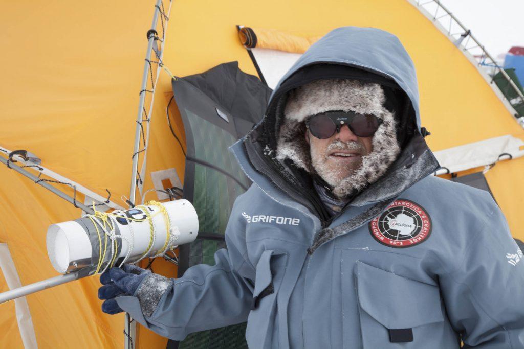 El fallecido científico Juan Pablo Albar, que gestionó la recogida de datos en la expedición.