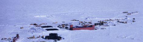 El Trineo de Viento llega a una base antártica abandonada
